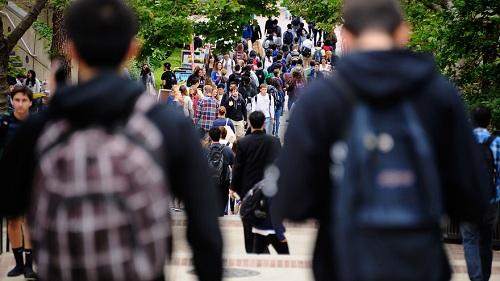 Xin hỗ trợ tài chính từ các trường đại học Mỹ, không khó